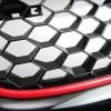 Kühlergrill im Sport-Design mit Wabengitter, in Schwarz mit Roter Umrandung passend für VW Golf 5